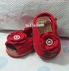 Crochet Baby Sandals, Knit Baby Booties, Crochet Shoes, Baby Shower Balloons, Baby Knitting, Baby Dress, Baby Shoes, Womens Fashion, Sock
