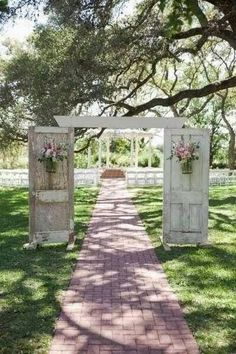 Two old doors make perfect outdoor wedding decor