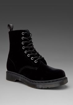 I know spring is a couple of day away, but I couldn't help myself. Dr. Martens Black Velvet Page Lace Ups