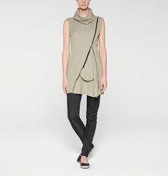 Zipped sleeveless tunic