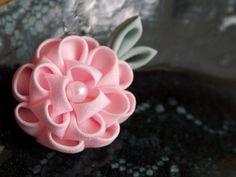 Pink Camellia Tsumami Kanzashi