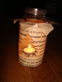 Waxinelichtje  Deze sfeerlichtjes worden voorafgaande  aan het kerstfeest door de kinderen binnen gedragen.  Gemaakt door kinderen OBS Woold. Zelf bedacht. Candle Jars, Candles, Craft Work, Candle Mason Jars, Pillar Candles, Lights, Candle