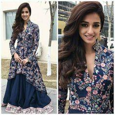 Explore all the latest and trending choli designs for your lehenga. Pakistani Dresses, Indian Dresses, Indian Outfits, Choli Designs, Silk Lehenga, Ghagra Choli, Lehenga Suit, Blue Lehenga, Lehenga Style