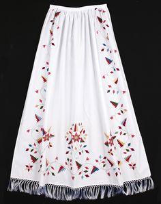 Bilderesultat for oslobunad mørkeblå Folk Costume, Costumes, Norwegian Clothing, Bridal Crown, Norway, Scandinavian, That Look, Inspiration, Clothes