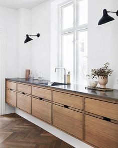 Dark, light, oak, maple, cherry cabinetry and painting wood kitchen cabinets gray. CHECK THE IMAGE for Many Wood Kitchen Cabinets. Kitchen Decor, Home Decor Kitchen, Kitchen Flooring, Interior, Kitchen Design, Kitchen Trends, Herringbone Floor, Kitchen Remodel, Kitchen Renovation