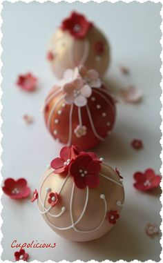 Bauble Mini Cakes