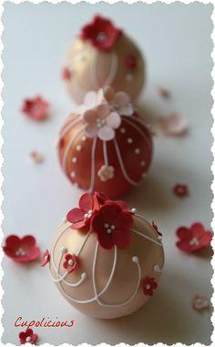 Bauble Mini Cakes