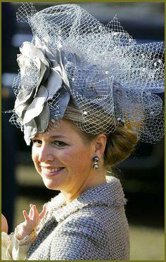 prinses Maxima met een van haar hoedjes