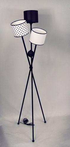 lampa stojąca w black&white