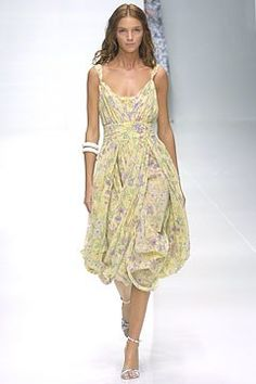 Burberry Spring 2005 Ready-to-Wear Collection Photos - Vogue