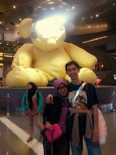 "kak Mia Kusumawati dan suami, dimana sih kak bonekanya gedeee bangettt!  ""We're in HIA (HAMAD INTERNATIONAL AIRPORT) in Doha, Qatar... Waiting for 4 more hours before flying to Barcelona. Di sini jam 4 pagi!""  #latepost  #OriflameID #GoldCruiseORIFLAME2014 #dBCNatGoldCruise"