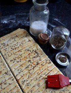 Saratele cu branza reteta strabunicii Buia | Savori Urbane Puff Pastry Recipes, Food Cakes, Cake Recipes, Recipies, Bread, Drink, Sport, Phyllo Dough Recipes, Cakes