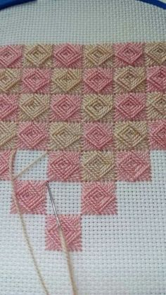 Discover thousands of images about Norwich stitch The Norwich stitch, a combination of weaving and sewing. Can't wait to try this out - Salvabrani Nice for a needlepoint background This Pin was discovered by Hal Bargello Needlepoint, Broderie Bargello, Needlepoint Stitches, Needlework, Hardanger Embroidery, Hand Embroidery Stitches, Ribbon Embroidery, Cross Stitch Embroidery, Embroidery Patterns