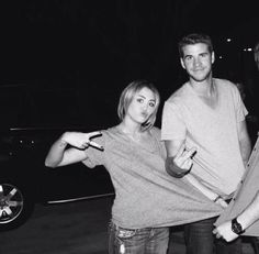Miley Cyrus & Liam Hemsworth.