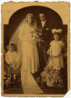 Guillermo Schmirsses y Telma Sandoval el día de su matrimonio.  Año 1930.