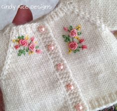 I love cute, colorful, handmade, artsy things Crochet Flower Patterns, Baby Knitting Patterns, Dress Patterns, Sewing Patterns, Pullover Design, Sweater Design, Crochet Baby, Knit Crochet, Kids Blouse Designs