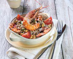 Insalata di grano saraceno con gamberoni, zucchine e pomodori. Una nutriente alternativa alla solita insalata di riso. Un piatto perfetto per i mesi estivi, da gustare anche freddo.