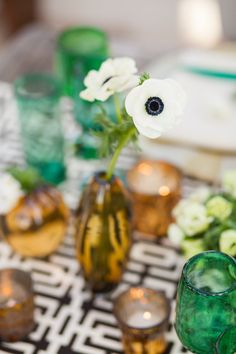 Black + White anemones. Photography by Ana & Jerome, anaandjerome.com | Event Planning + Design by Signature Event Consulting + Design, signaturemexico.com