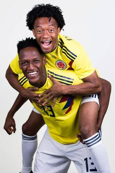 Yerry Mina of Colombia and Juan Cuadrado pose for a portrait during the official FIFA World Cup 2018 portrait session at Kazan Ski Resort on June Fifa World Cup 2018, Skiing, Football, Poses, Portrait, Artsy Fartsy, Soccer, Soccer Poster, Soccer Players