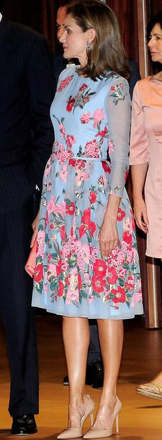Queen Letizia - Carolina Herrera blue embroidered dress with pretty floral detailing from Resort 2018 collection - Prada pumps - Felipe Varela clutch - Bvlgary earrings