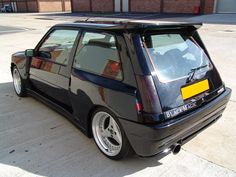 Renault 5 GT Turbo looking fashionably retro with the 3 spoke alloys