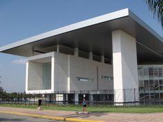Teatro del bicentenario / Augusto Quijano arquitectos