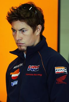 Nicky Hayden Photos - Nicky Hayden of the USA Repsol Team Honda arrives for MotoGP Testing at the Circuito de Jerez, on February 18, 2008 in Jerez, Spain. - MotoGP Testing