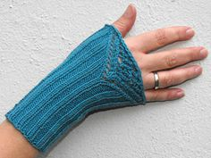 Armstulpe/wrist warmer *LaMona* by Birgit Freyer - these fingerless mitts can be knit with just 100 yards of our Arctic Qiviut! #knitting #mitts #qiviut http://bijoubasinranch.shptron.com/p/qiviut-100-muskox-100yds?pp=8=8