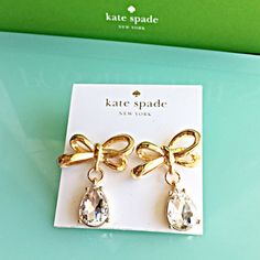 """NEW CRYSTAL TEARDROP GOLD BOW FASHION EARRINGS Gold bow Crystal earrings. Kate Spade design look. Post closure. Length: 1 1/4"""" Same beautiful design without the costly expense!  NO TRADES NO QUESTIONS FROM NON SERIOUS BUYERS DO NOT ASK ME TO CREATE A BUNDLE UNLESS YOU INTEND TO BUY DO NOT LOWBALL PRICE IS FIRM AND REFLECTED ON FEES AND OUT OF POCKET COSTS Boutique Jewelry Earrings"""