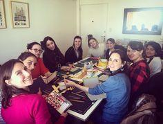 Empezamos a armar las tapas con las telas exclusivas de #FlorenceLivres que traemos de distintos rincones del     #papel #cuadernos #encuadernar #encuadernacion #bookbinding #clubdeencuadernadores