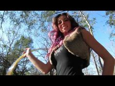 Katie Sunshine's Three Beat Weave Tutorial - YouTube