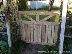 Diese Tür wurde von William JD, um aus seinem Garten von einem kleinen Obstgarten zu trennen. Die Tür wurde die Paletten Bohlen gebaut mit, neben können Sie ein paar Bilder des Bauprozesses der Tür…