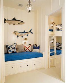 #アイランド・リビング #リゾート・スタイル #nautical bunk room!  Interior Design by Gauthier-Stacy Inc; Photography by Sam Gray