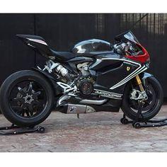 Ducati 1199 Panigale.wrap1