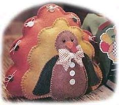Thanksgiving turkey crafts for kids, toddlers, preschoolers, kindergarteners, and adults. Kids Crafts, Felt Crafts, Decor Crafts, Sewing Crafts, Sewing Projects, Craft Projects, Craft Ideas, Easy Projects, Thanksgiving Crafts For Kids