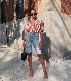 8 Trendy New Basics That Are Just *Chef's Kiss* Denim Shorts Outfit Summer, Long Jean Shorts, Denim Fashion, Girl Fashion, Fashion Tips, Fashion Weeks, London Fashion, Fashion Websites, 70s Fashion