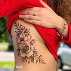 tattoo designs for women & tattoo designs ; tattoo designs for women ; Rib Tattoos For Women, Tattoos For Women Flowers, Beautiful Flower Tattoos, Pretty Tattoos For Women, Rose Tattoos, Sexy Tattoos, Body Art Tattoos, Sleeve Tattoos, Floral Thigh Tattoos