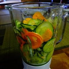 Been too busy for healthy meal? Have a fresh start with this Easy Green Smoothie! Just throw any veggies into the blender and you're good to go!