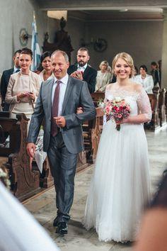 Brautkleid : Festmoden Laue https://www.foreverly.de/detail/laue--co