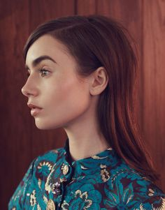 Actress Lily Collins looks stunning in blue on the June 2017 cover of The Edit from Net-a-Porter. Photographed by Stas Komarovski… Lily Collins, Lilly Collins Makeup, The Brunette, Brunette Beauty, Hair Beauty, Sandra Bullock, Khadra, Photo Makeup, Celebs