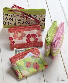 Cash and carry cases I love this pattern. Easy, fun, and useful. And, so many fabric possibilities. Great gift items also.