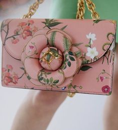 Printed with signature botanical flower, this TRO bag was crafted in Italy from saffiano leather with a metal-edged… Antonio Marras, Botanical Flowers, Gucci Handbags, Floral Style, Longchamp, Tom Ford, Clutch Bag, Pretty In Pink, Fendi