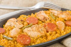 Head to Fareway's website for the quick and delicious Chicken Jambalaya recipe and nutrition information or reach out to a registered dietitian today. Chicken Jambalaya, Jambalaya Recipe, Risotto Poulet Chorizo, Cooking Chef Gourmet, Cajun Seasoning, Yum Yum Chicken, Chicken Recipes, Curry, Nutrition