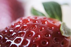 "I added ""Frauek | it's me!"" to an #inlinkz linkup!http://einwenighiervonunddavon.blogspot.de/2015/03/makro-montag-strawberry.html"