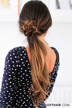 Throwback to this cute summer ponytail! Yay of nay?? Watch the full tutorial for this look at www.bit.ly/summerponytails <3 @mimiikon is wearing her 160g Ombre Chestnut #luxyhairextensions in this photo.