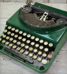 Vintage Green Remington No. 3 Typewriter