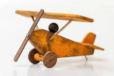 Aeroplanes, Classic Toys, Wood Work, Wooden Toys, Diy And Crafts, Woodworking, Models, Wooden Pens, Woodworking Toys