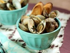 Homemade Clams in a Butter Wine Sauce with Herbs. Get this recipe from Kimberly's Simply Southern on GAC >> http://www.greatamericancountry.com/living/food/clams-in-butter-wine-sauce-with-herbs?soc=pinterest