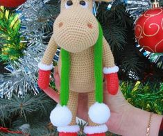 Crochet Santa Claus Ideas 2017 Christmas may celebrate the birth of Jesus Christ, but Santa Claus is arguably the season's most famous figure. There are many ways to incorporate Santa-themed elements into your holiday deco… Crochet Deer, Crochet Santa, Diy Crochet, Crochet Toys, Irish Crochet, Cheap Christmas Gifts, Christmas Toys, Christmas Ornaments, Zip Zip