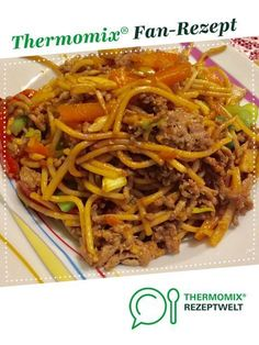 Fried noodles from A Thermomix ®️️ recipe from the main course with meat category at www.de, the Thermomix ®️️ community. Fried noodles Melanie Wist melaniewist Bimby Fried noodles from A Thermomix ®️️ recipe from t Greek Recipes, Meat Recipes, Dinner Recipes, Barbecue Recipes, Tartiflette Recipe, Greek Diet, A Food, Stuffed Peppers, Dishes